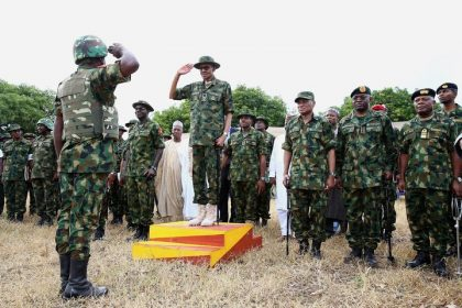 buhari-on-military-uniform-2