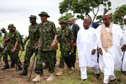 buhari-on-military-uniform-1